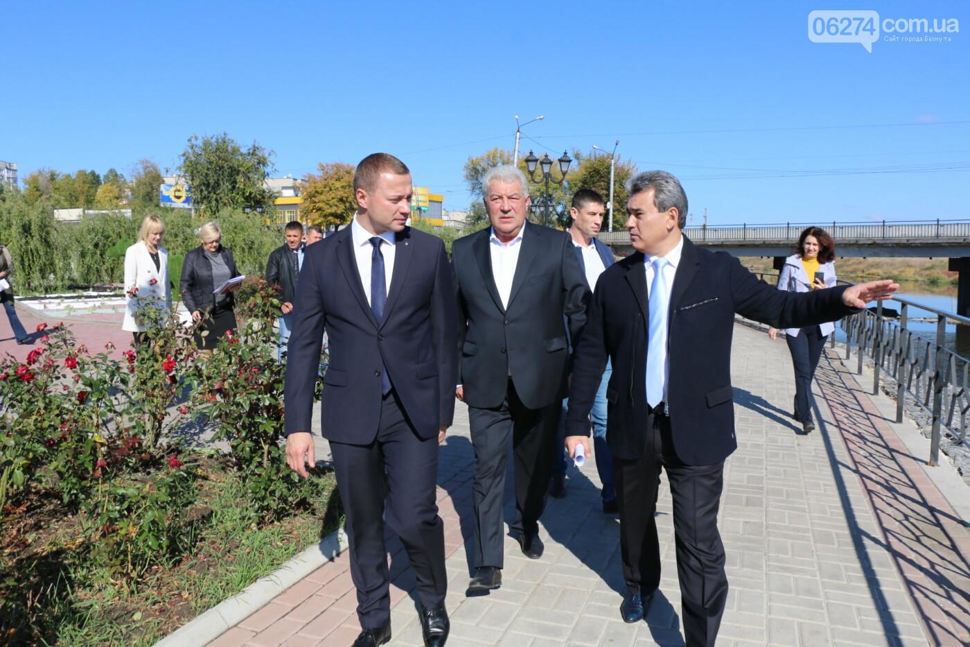 Бахмут с рабочей поездкой посетил Павел Кириленко, фото-13