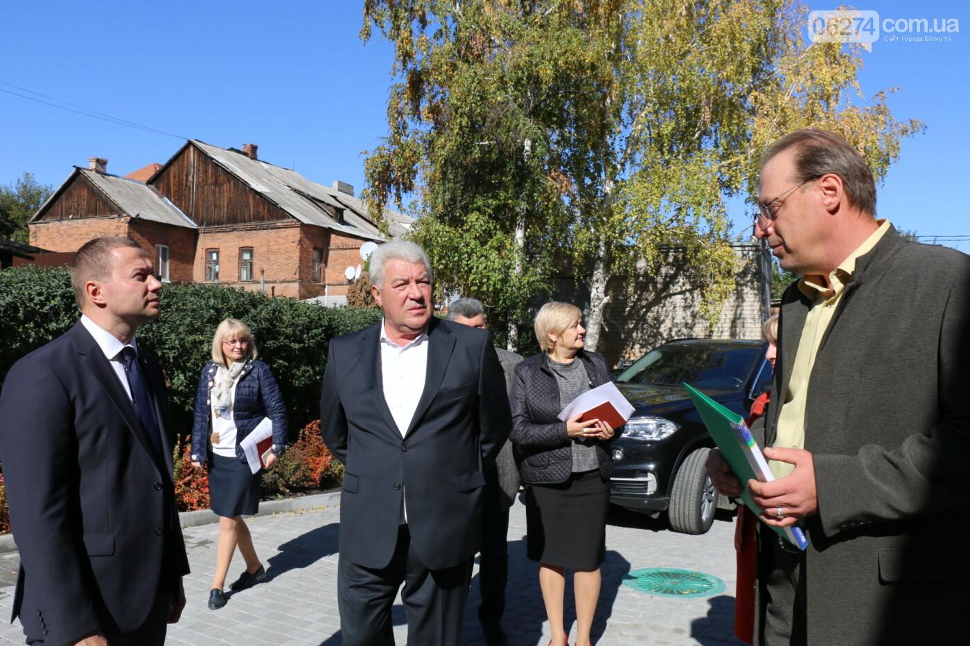 Бахмут с рабочей поездкой посетил Павел Кириленко, фото-24
