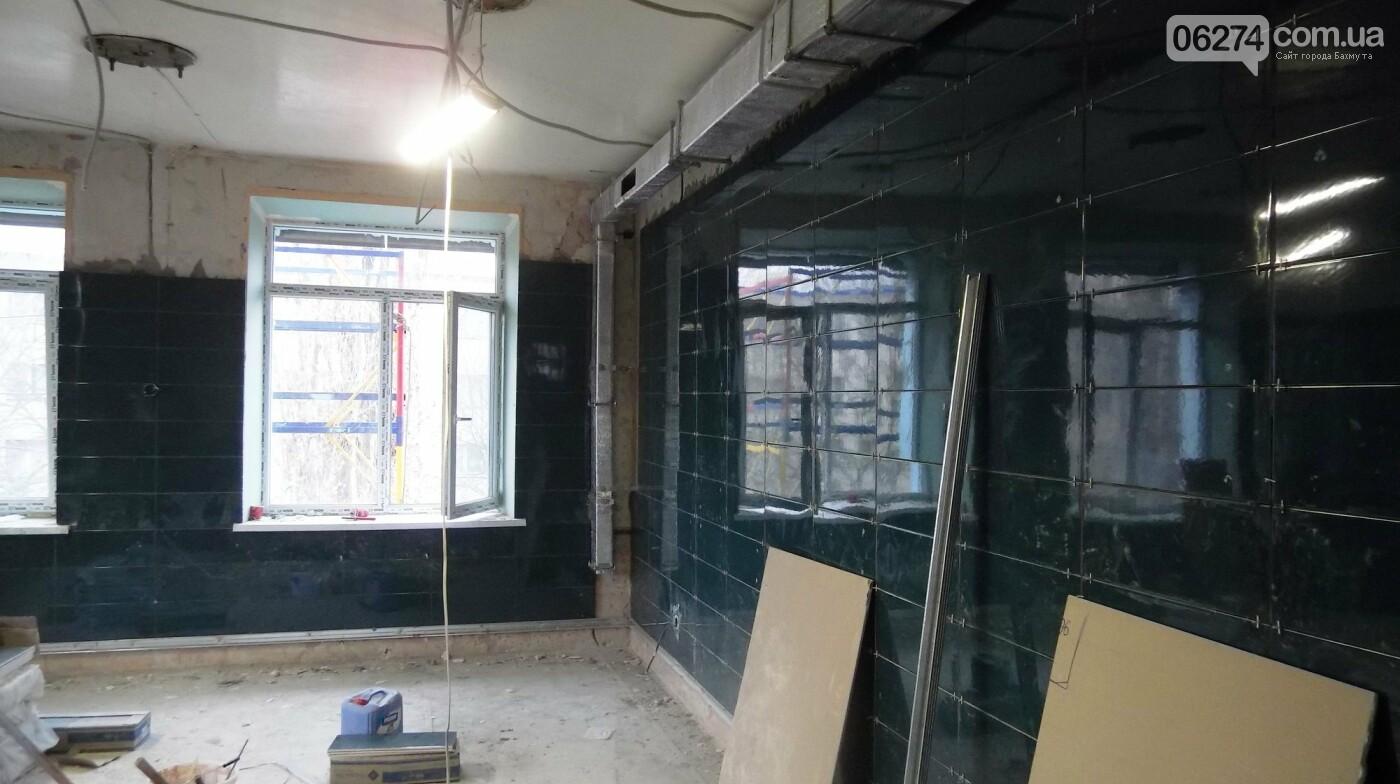 Мэр Бахмута проверил выполнение работ на объектах строительства в городе, фото-9