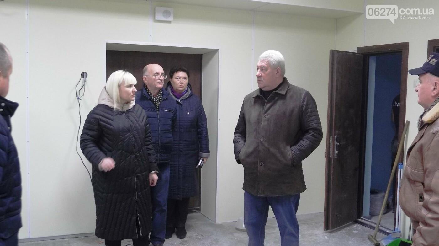 Мэр Бахмута проверил выполнение работ на объектах строительства в городе, фото-6