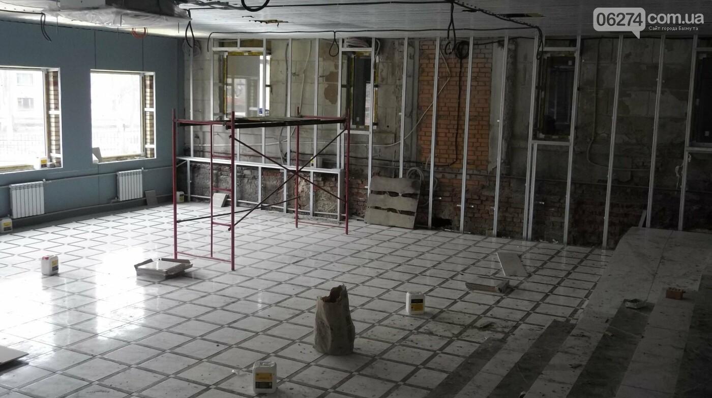 Мэр Бахмута проверил выполнение работ на объектах строительства в городе, фото-22