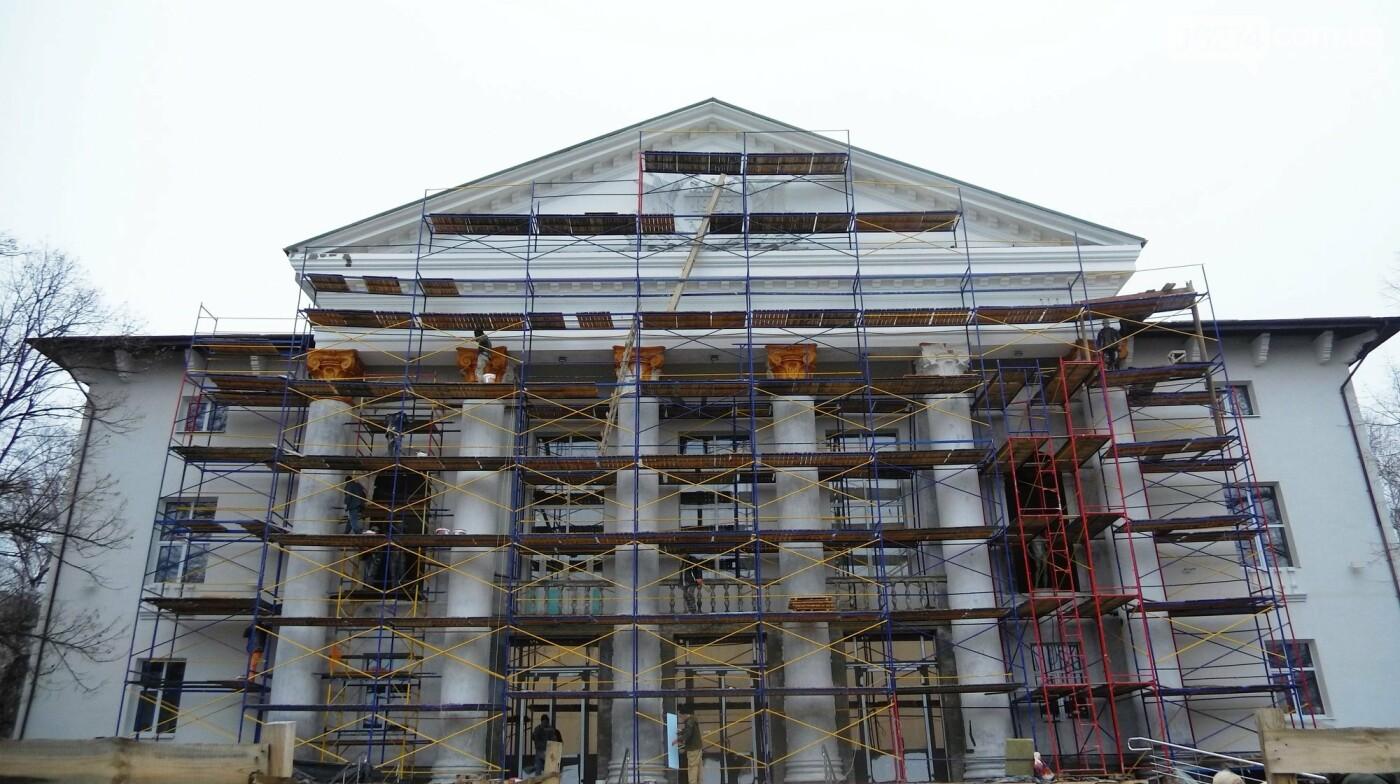 Мэр Бахмута проверил выполнение работ на объектах строительства в городе, фото-24
