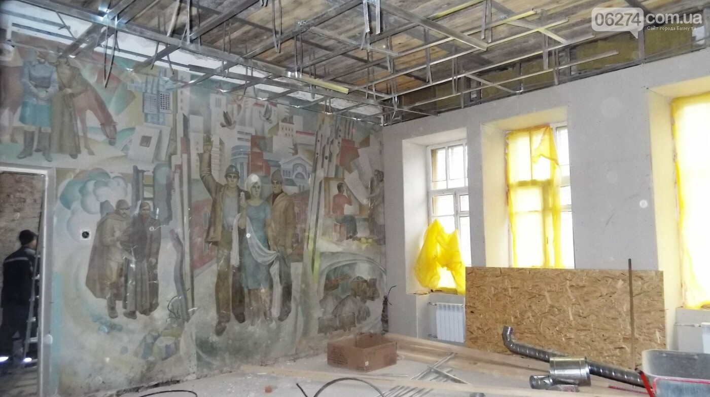Мэр Бахмута проверил выполнение работ на объектах строительства в городе, фото-3