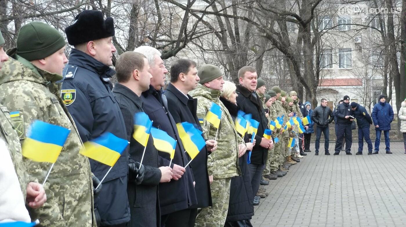 В Бахмуте в День Соборности развернули огромный флаг Украины, фото-8