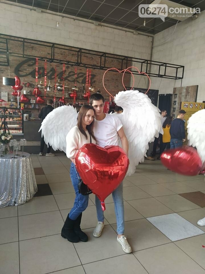 Как в Бахмуте отметили День святого Валентина, фото-9