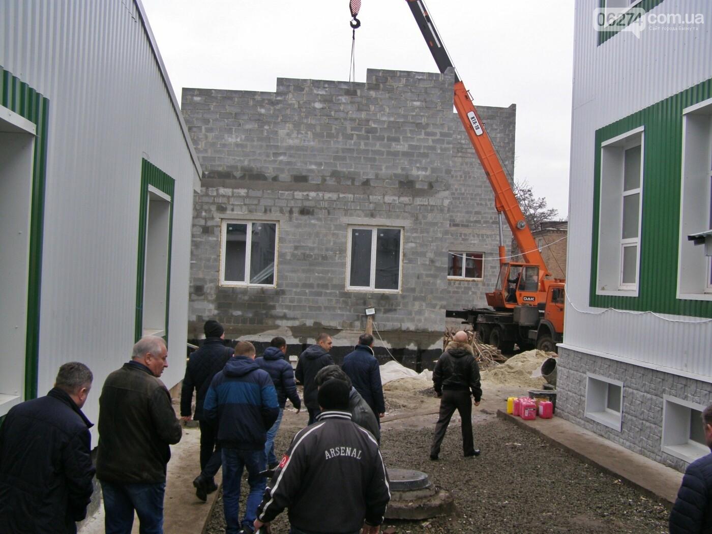 Во врачебно-физкультурном диспансере в Бахмуте завершена реконструкция главного корпуса и общежития, фото-15