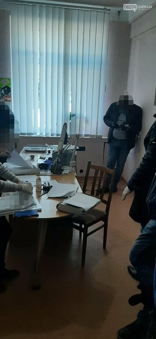 Житель Бахмута разработал «схему» завладения соцвыплатами пенсионеров из «ДНР», фото-1