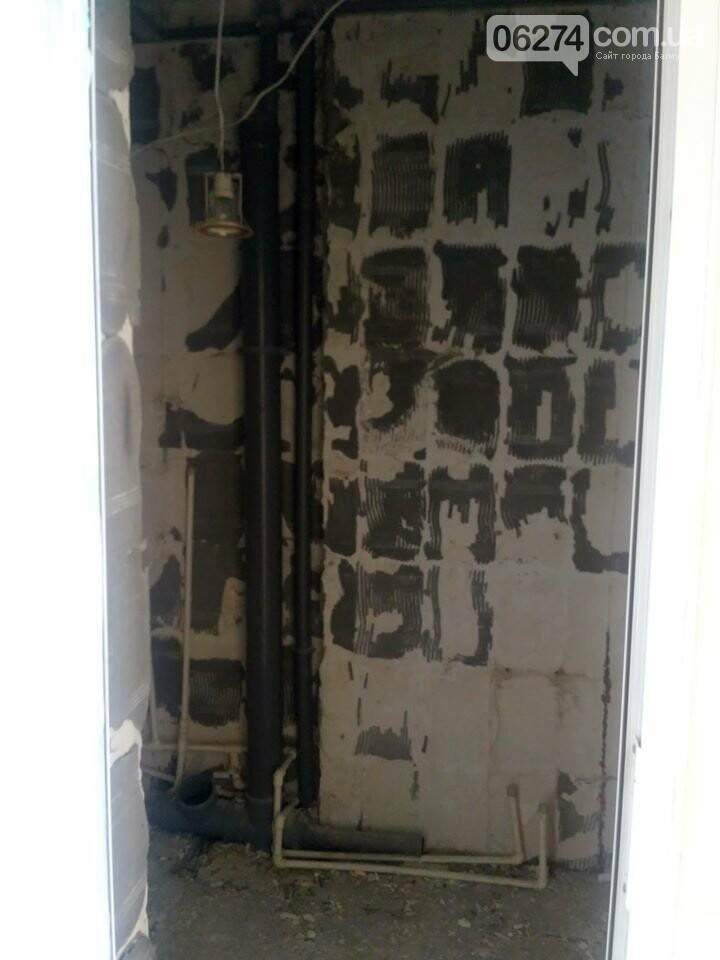 Ведутся работы по реконструкции корпуса №2 больницы Бахмута, фото-4