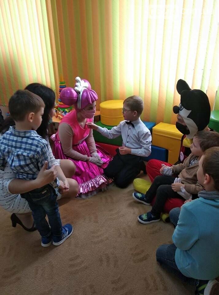 Алексей Рева поздравил приемные семьи с Днем защиты детей, фото-1
