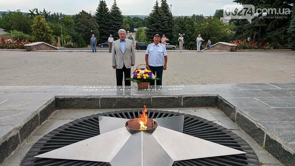 В Бахмуте почтили память погибших в годы Второй мировой (ФОТОФАКТ), фото-2