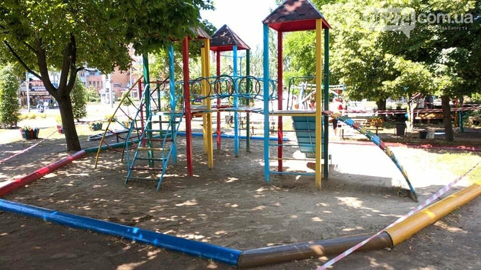 Бахмутские коммунальщики восстановили площадку «Дарунок», фото-10