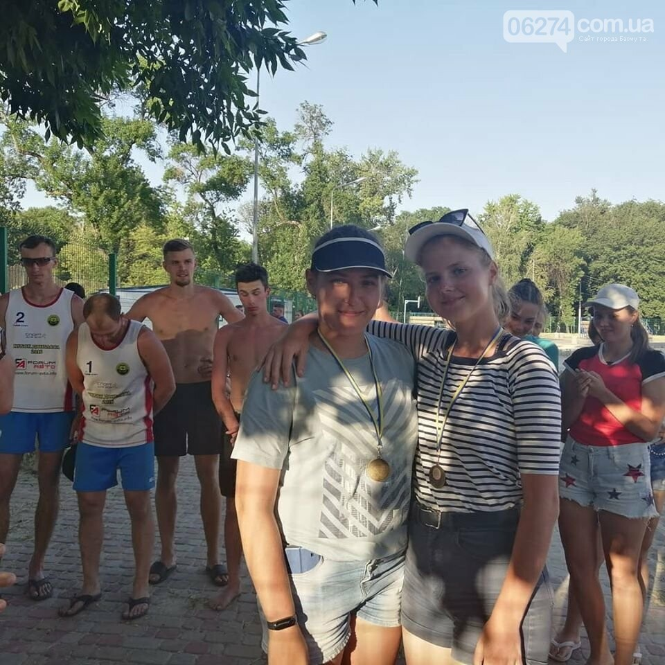 Волейболисты Бахмута стали лучшими в пляжном волейболе по области, фото-4