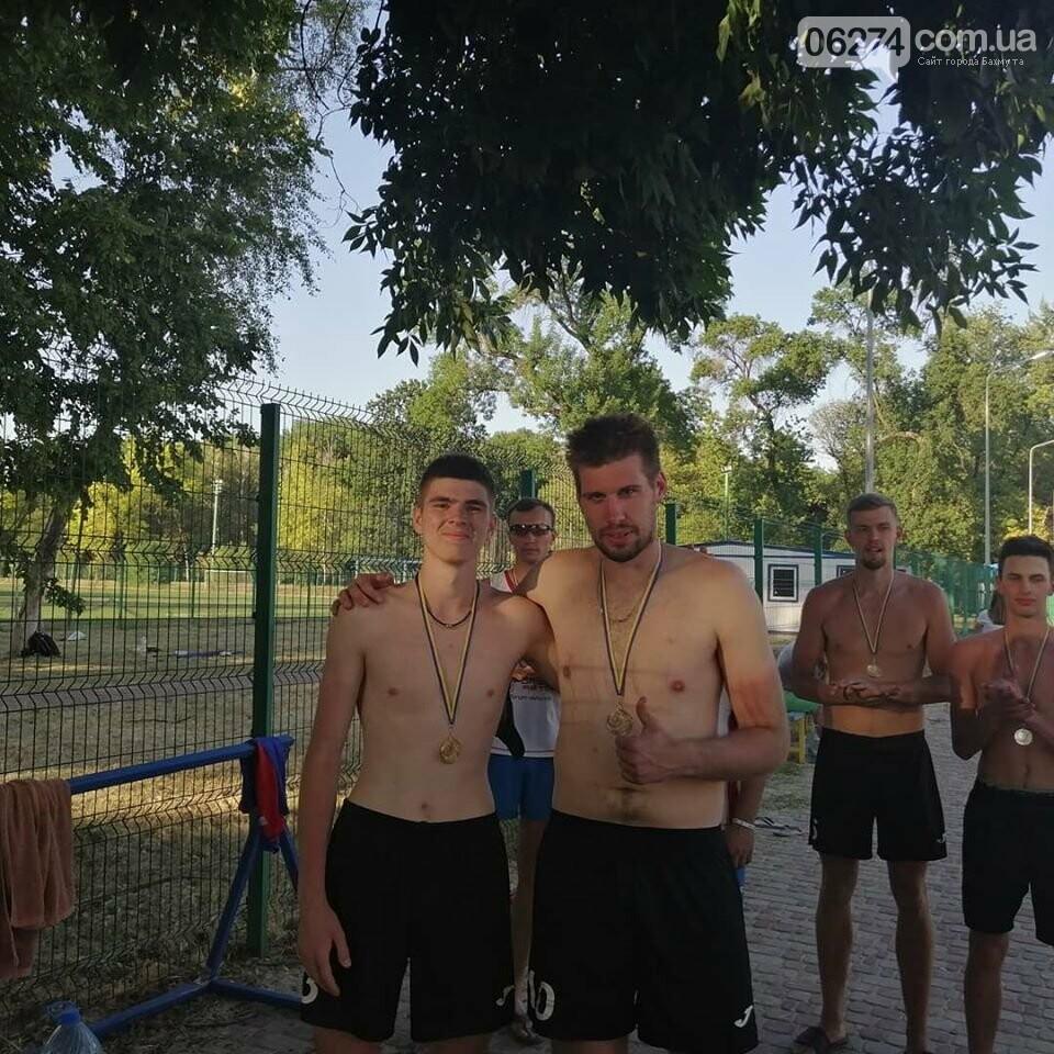 Волейболисты Бахмута стали лучшими в пляжном волейболе по области, фото-5