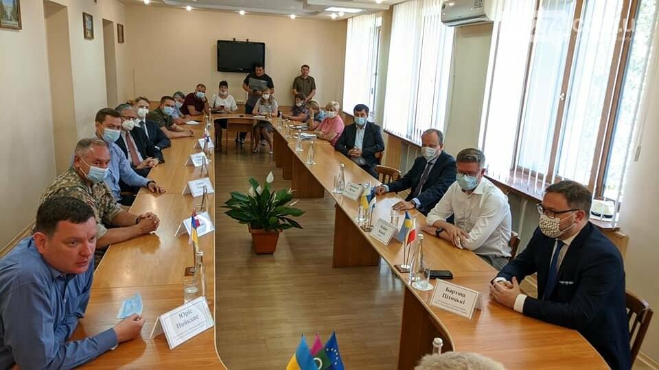 Бахмут с визитом посетили послы стран Евросоюза, фото-3