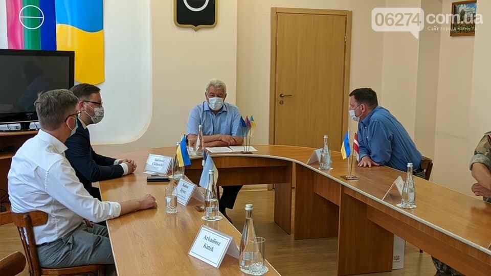Бахмут с визитом посетили послы стран Евросоюза, фото-5