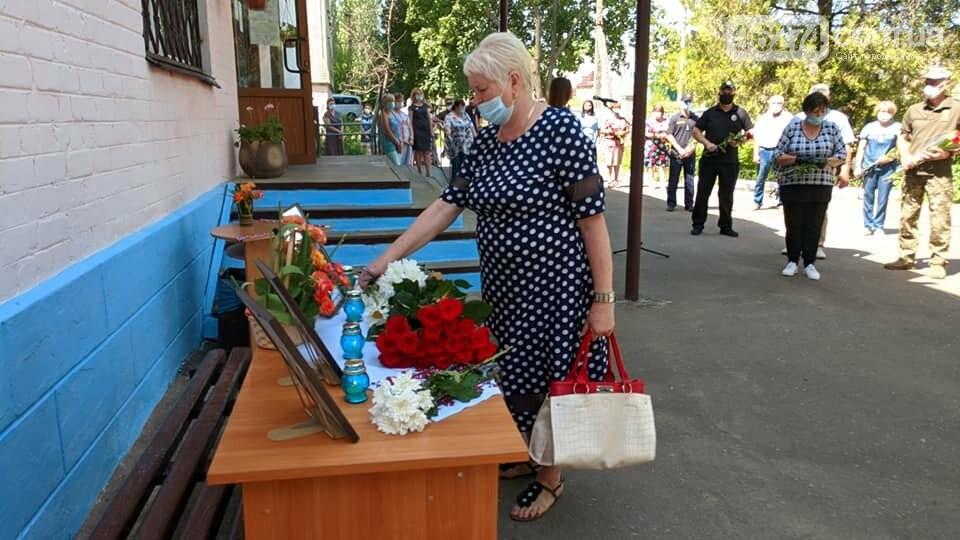 В Бахмуте почтили память освободителей города от пророссийских террористов, фото-7