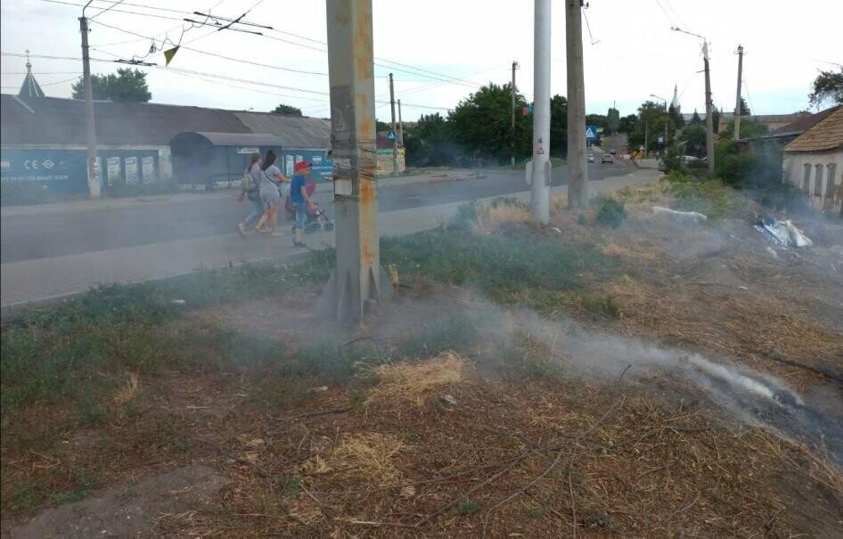 В Бахмуте вместо уборки на набережной произошел пожар (ВИДЕО), фото-4
