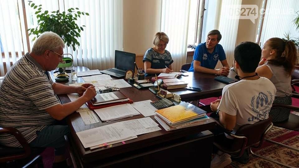 Мэр Бахмута Алексей Рева встретился с представителями ООН и гуманитарной миссии «Пролеска», фото-1