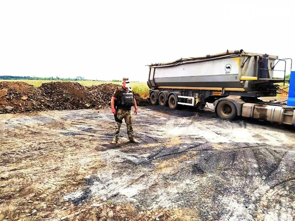 В Бахмутском районе проведут подсыпку дорог в трех прифронтовых поселках , фото-1