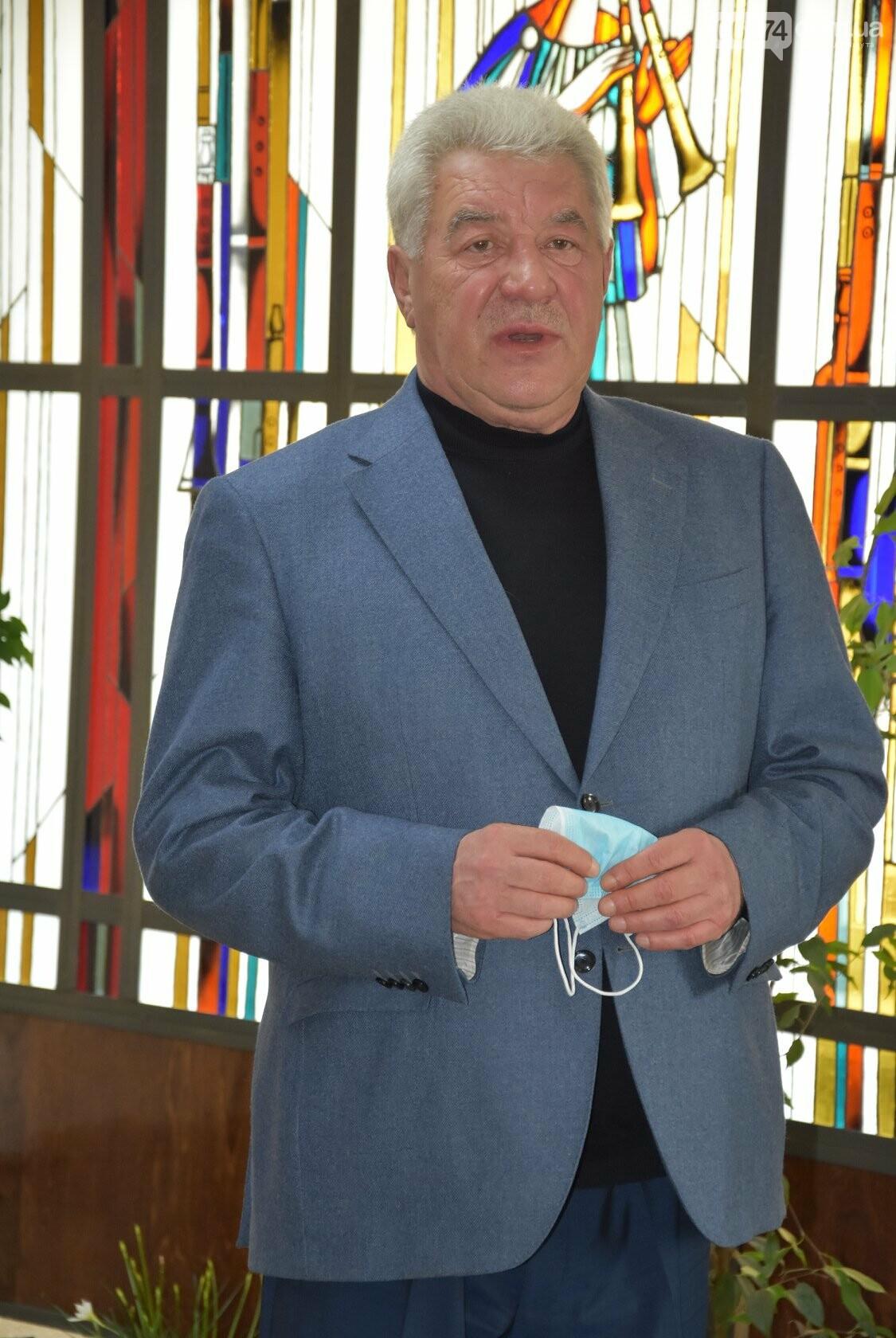 В Бахмуте открыли мемориальную доску Евгению Мартынову, фото-2