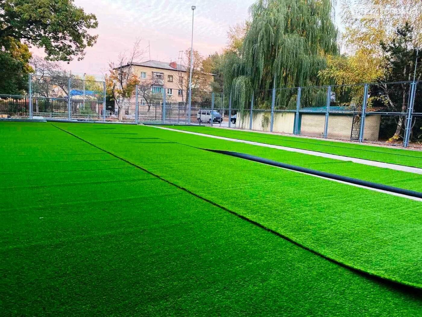 В Бахмуте проводится реконструкция и капитальный ремонт спортивных объектов, фото-4