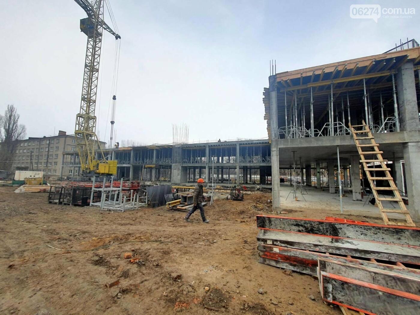 В Бахмуте начали возведение этажей учебного корпуса спортивного колледжа им. С. Бубки, фото-1
