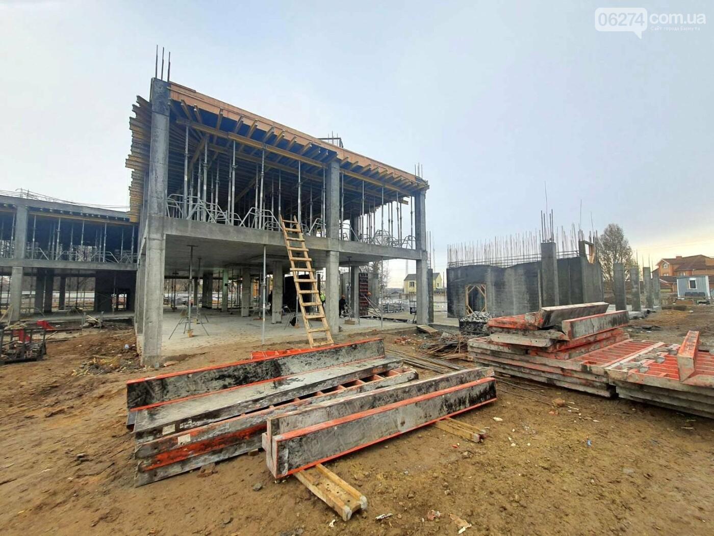 В Бахмуте начали возведение этажей учебного корпуса спортивного колледжа им. С. Бубки, фото-9