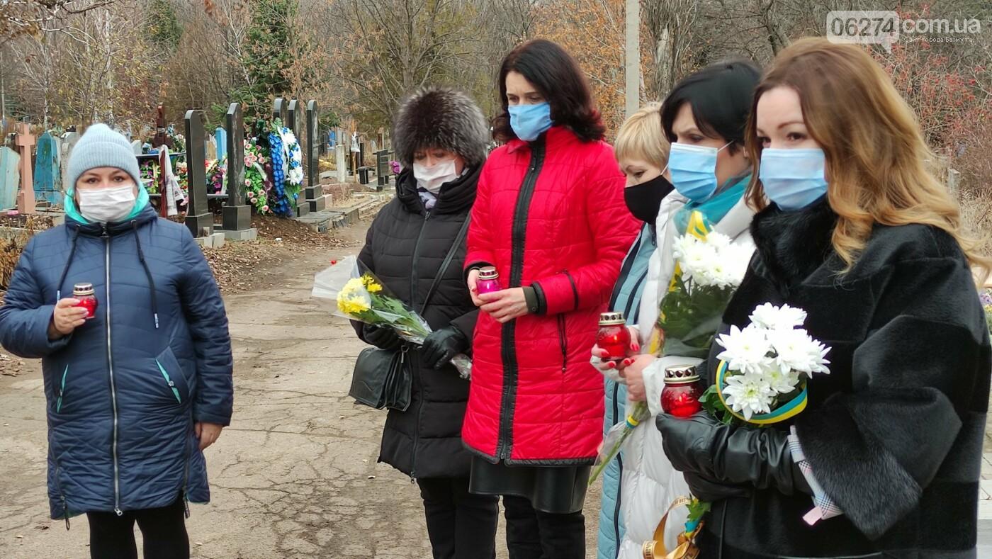 В Бахмуте почтили память жертв Голодоморов в Украине, фото-4