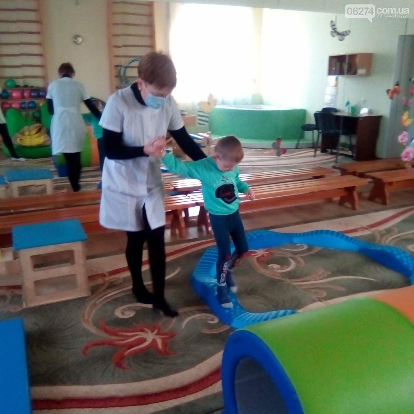 В Бахмутской больнице появилась сенсорная комната для детей, фото-1