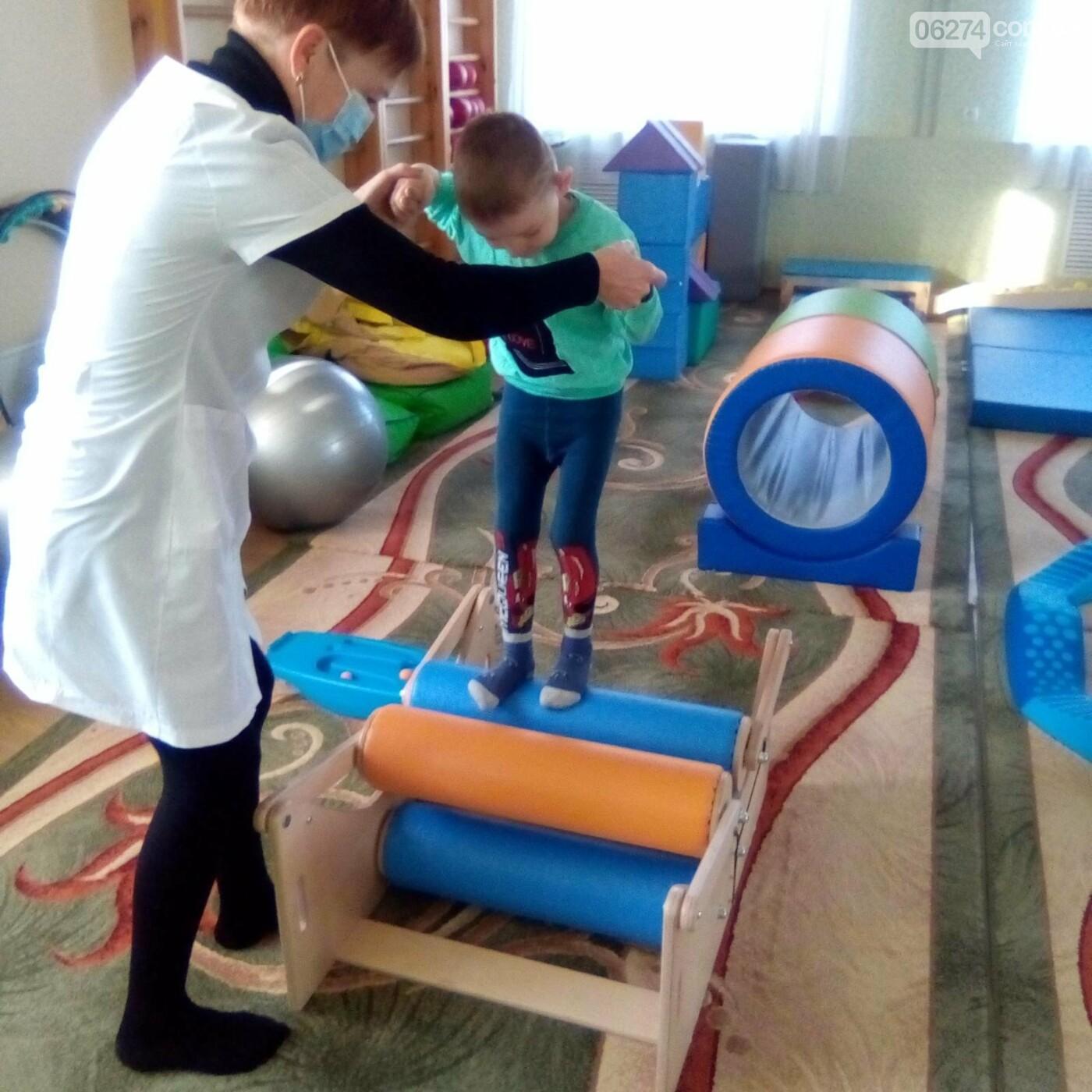 В Бахмутской больнице появилась сенсорная комната для детей, фото-2