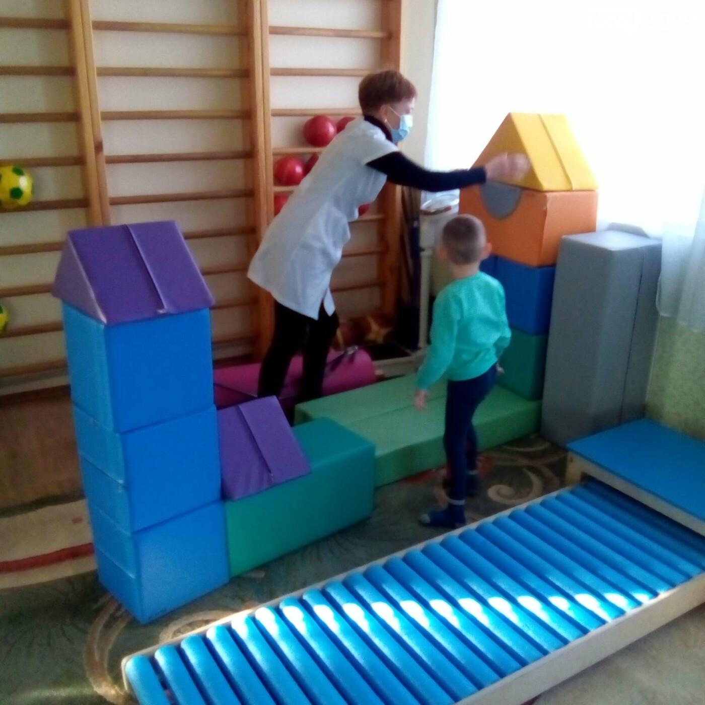 В Бахмутской больнице появилась сенсорная комната для детей, фото-5