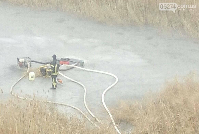 Спасатели ликвидируют пожар на полигоне вблизи г. Бахмут, фото-3