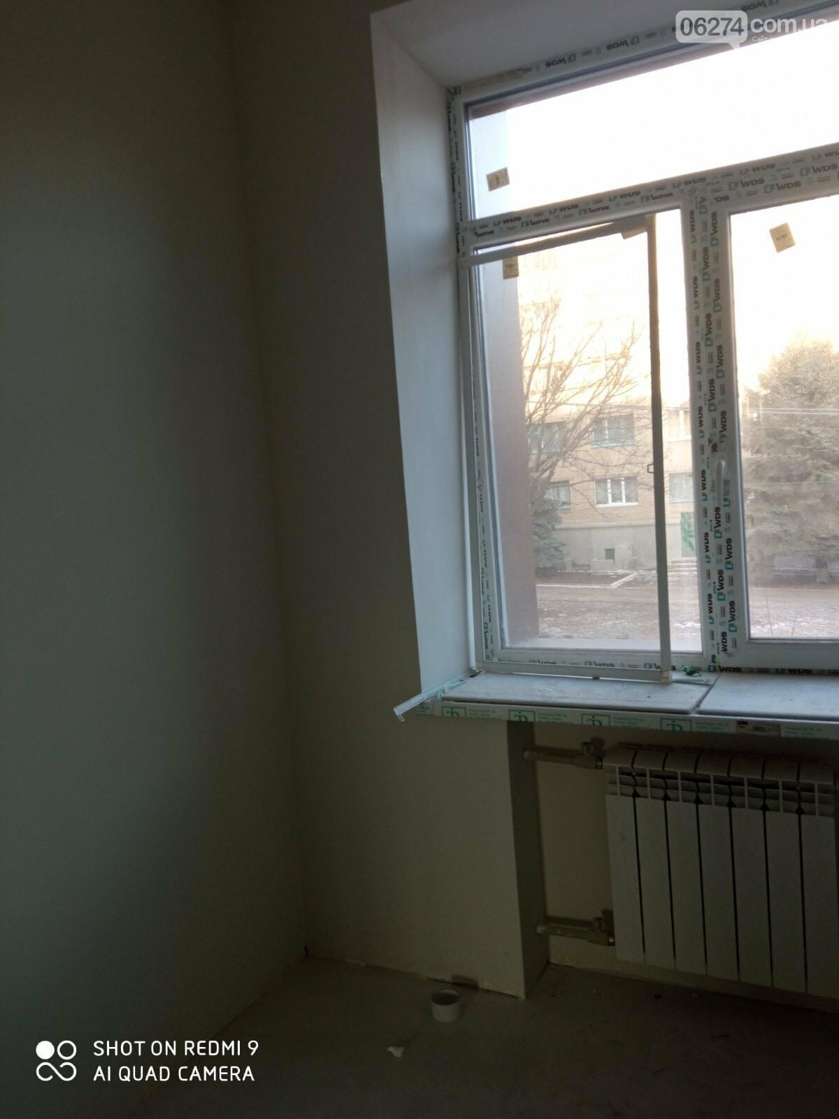 В Бахмутской больнице продолжается ремонт хирургического отделения, фото-5