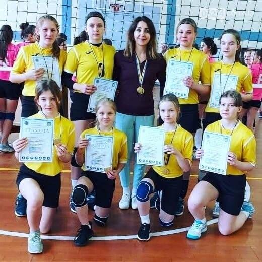 Волейболистки Бахмута - чемпионки области, фото-1