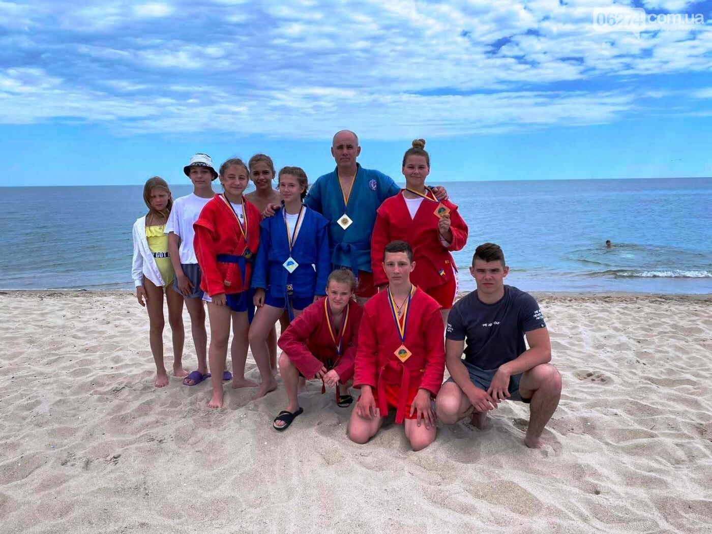 Бахмутчане успешно выступили на Чемпионате Украины по пляжному самбо, фото-3