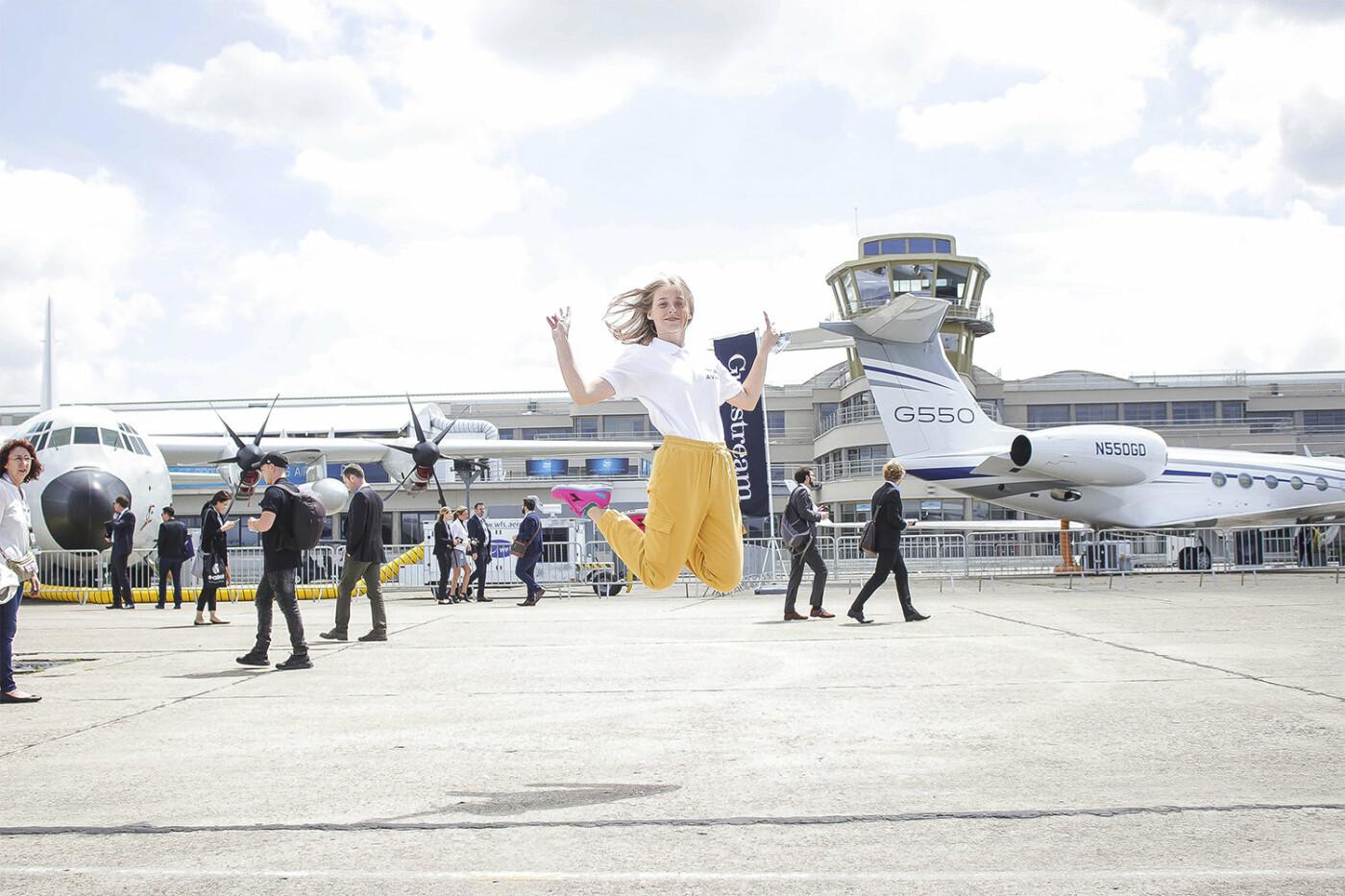 Борис Колесников со школьниками Донбасса посетил крупнейший авиасалон во Франции, фото-6
