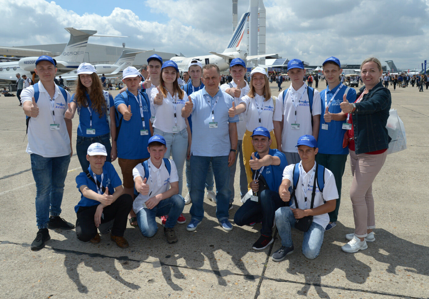 Борис Колесников со школьниками Донбасса посетил крупнейший авиасалон во Франции, фото-7
