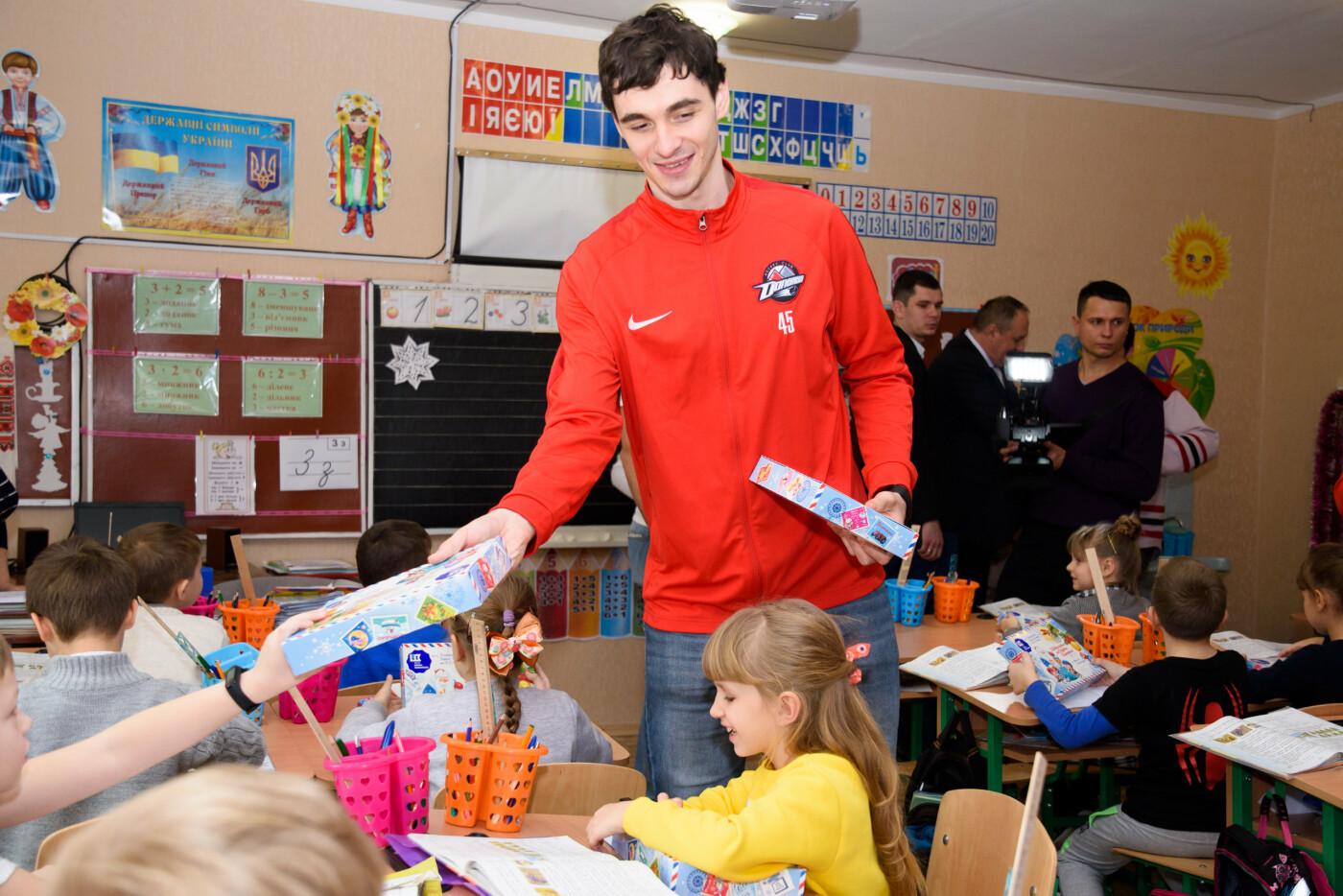 В День Николая 61000 школьников получили сладкие подарки от Фонда Бориса Колесникова, фото-5