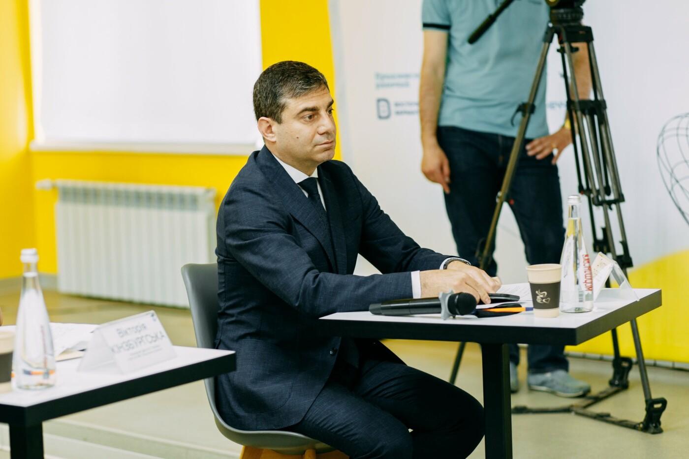 """Дмитрий Лубинец: """"Мы хотим защитить все нацменьшины в Украине"""".  В Мариуполе обсудили законопроект о национальных меньшинствах, фото-3"""